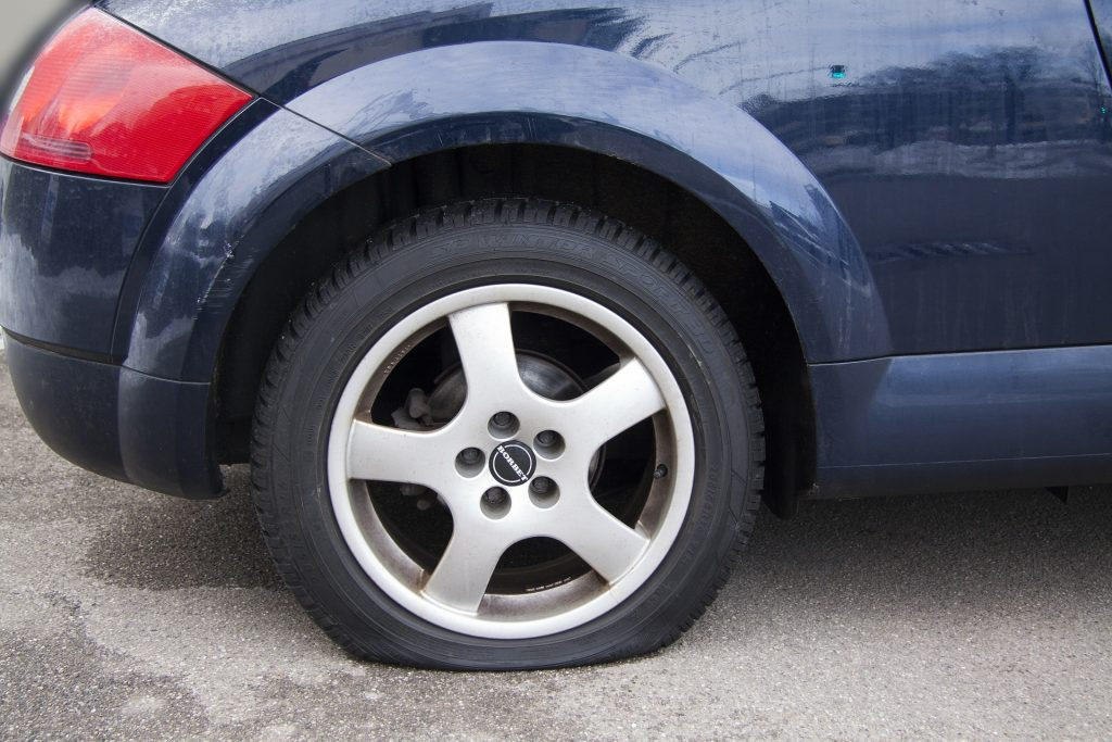 car flat tire the woodlands tx